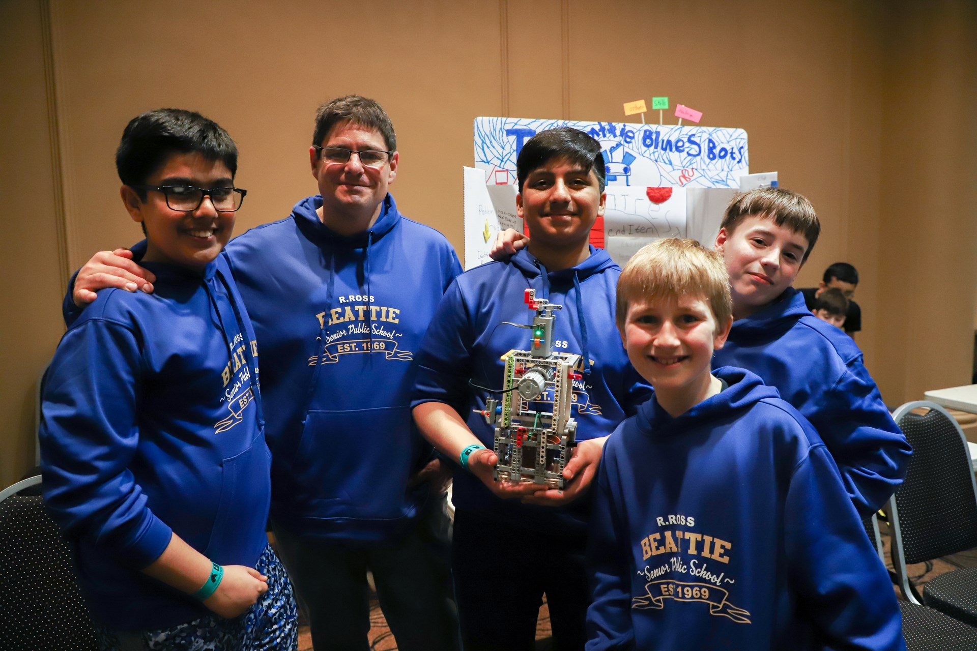 Skills Ontario 2019 DSB1-GRADE 7 and 8 ROBOTICS TEAM.jpg
